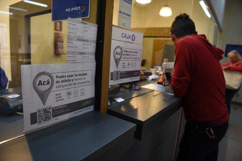Solicitan que las empresas de servicios habiliten nuevamente el pago en efectivo