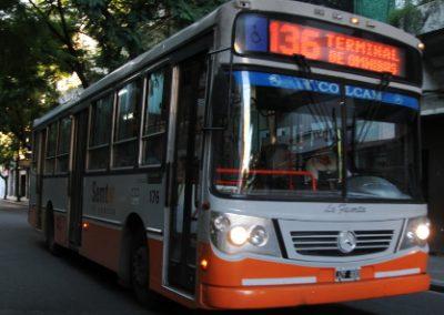 Ingreso de las líneas 136 y 129 a Barrio Itatí