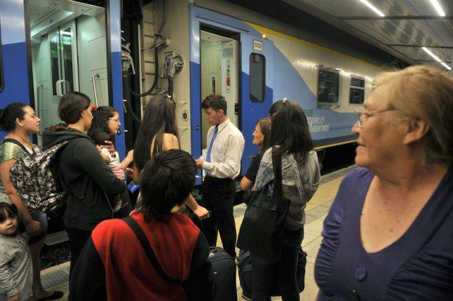 Encuesta del OST: Amplia adhesión a la vuelta de los trenes metropolitanos.