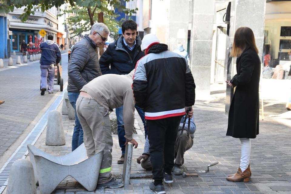 Obras de reparación en calle Sarmiento
