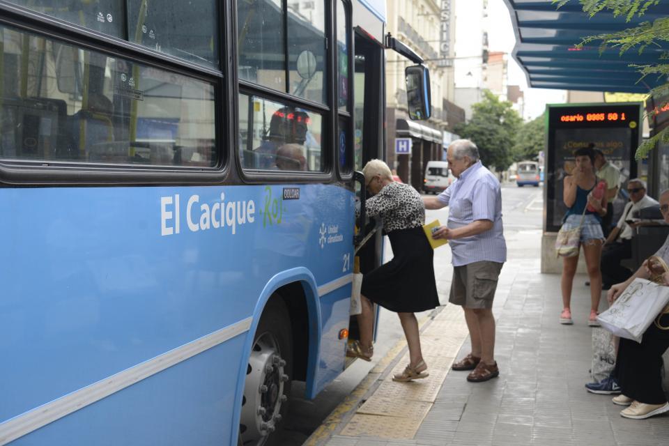 Toniolli: «Sube el boleto y el servicio empeora, es lógico que la gente se baje del colectivo»