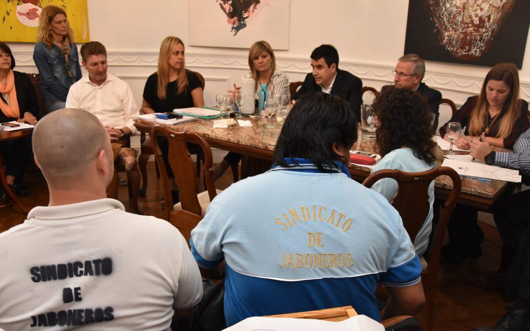 El Concejo expresó su apoyo a los trabajadores de Unilever y de las concesiones de la Rambla Catalunya