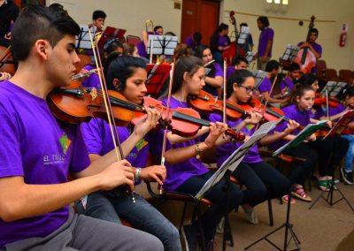 Distinción a la Orquesta Infanto Juvenil El Triángulo