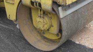 videoblocks-machine-asphalt-working-on-bitumen-road_su6ttv4nx_thumbnail-small03