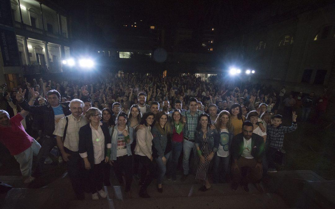 Diálogos abiertos: El encuentro de distintos espacios políticos cerró en la Facultad de Derecho con un patio colmado de asistentes