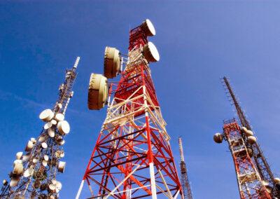 Colocación de carteles informativos en todas las antenas de telefonía móvil